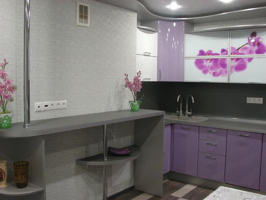 дизайн фиолетовой кухни