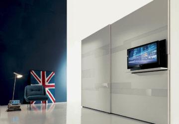 Шкаф-купе с телевизором