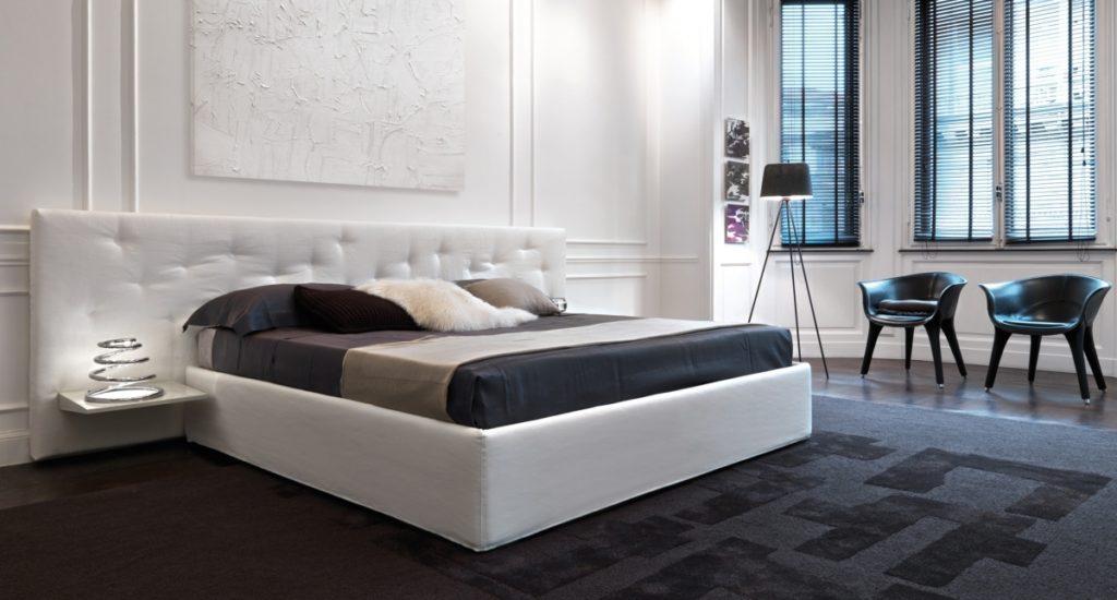 Прошитое изголовье кровати