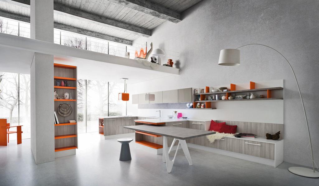 кухня ясень с оранжевым акцентом