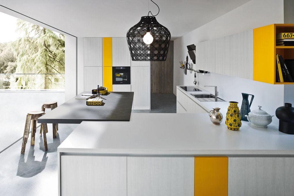 кухня с желтым акцентом и ясень от Ar Tre