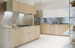 дубовая кухня Aster с деревянными ручками