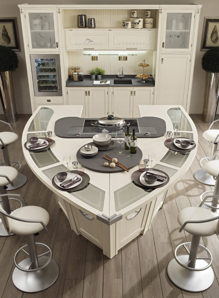 Кухня - остров в виде яхты