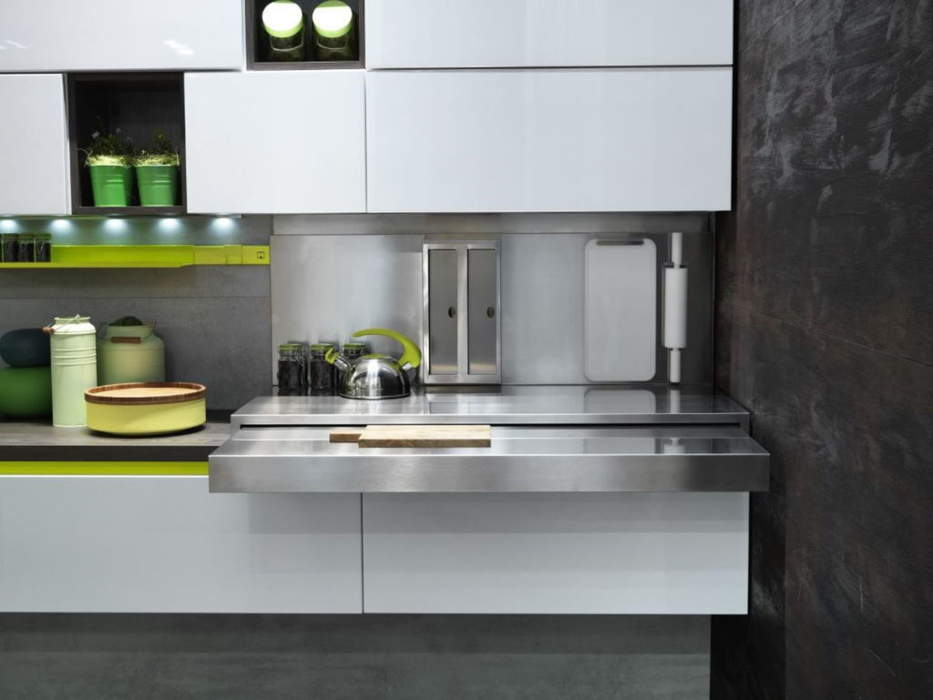 тол разделочный кухня с зеленым акцентом