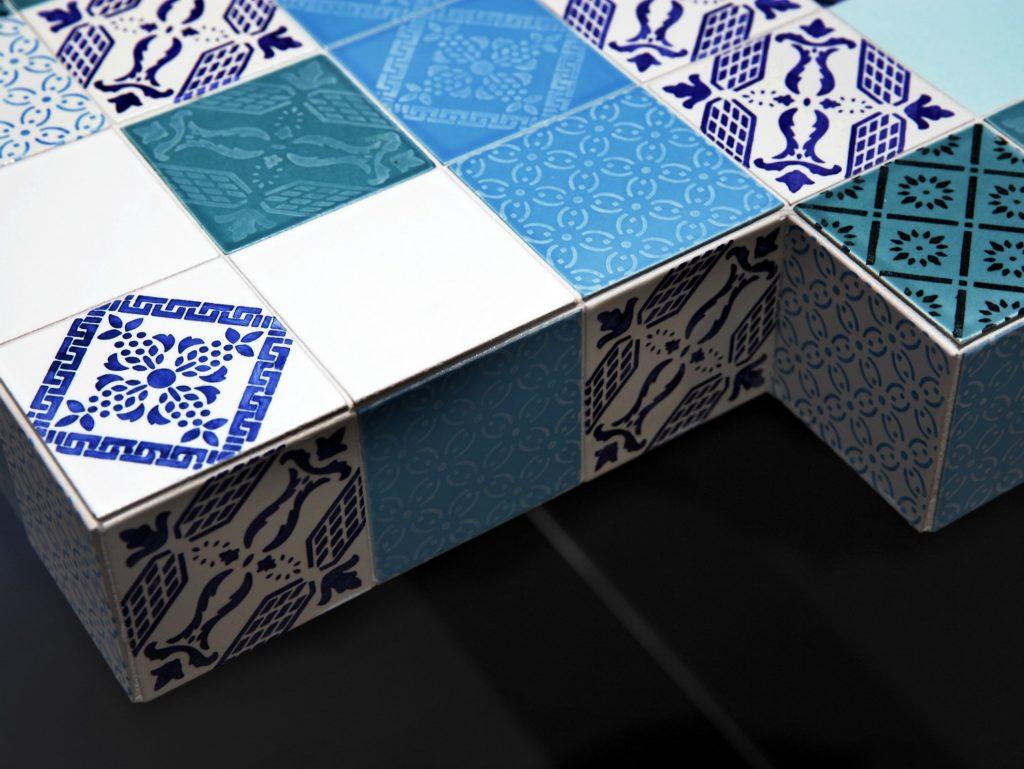 Плитка синяя