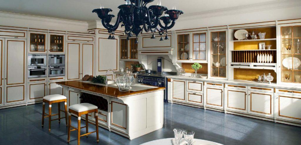 Дизайн с золотом кухня белая патина