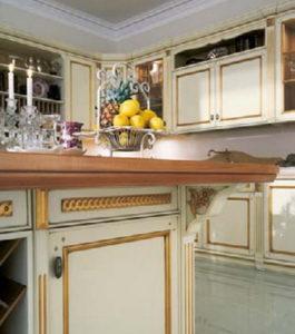 Дизайн с золотом кухня остров