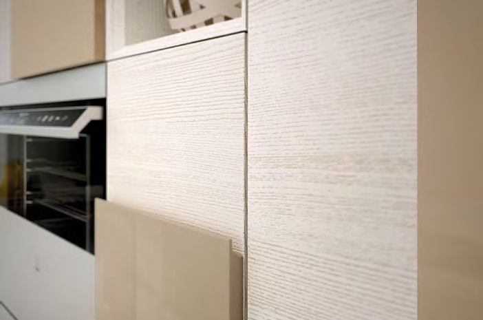 Ясень Креативный дизайн кухни – накладной фасад