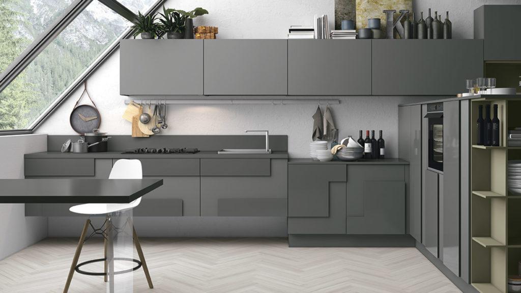 Креативный дизайн кухни – накладной фасад серый