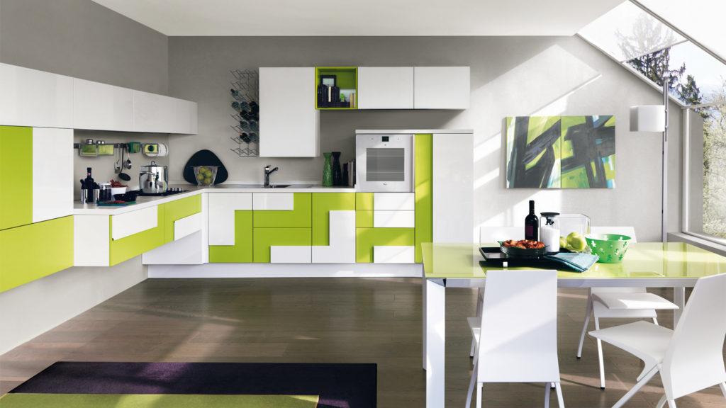 Креативный дизайн кухни – накладной фасад бело-зеленый