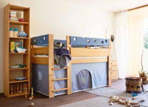 Синяя двухъярусная кровать детская
