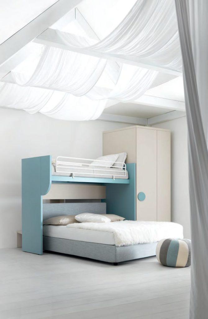детские кровати углом