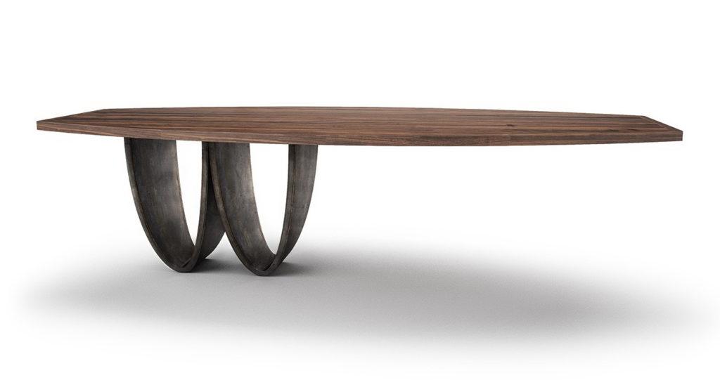Стол обеденный уравновешенный