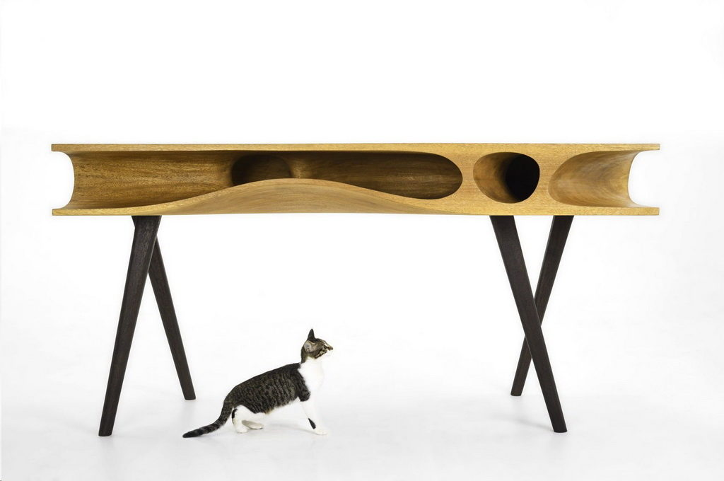 Стол для кошки