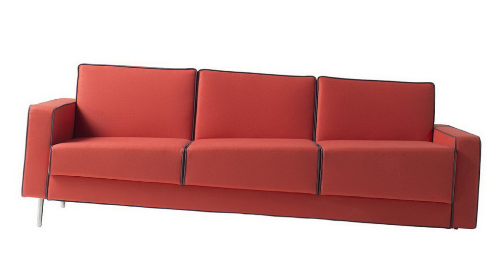 Перекошенный диван