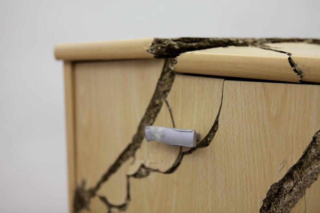 старая мебель из ДСП