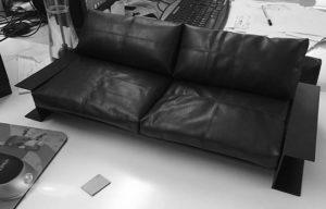 Контрастный диван изготовление