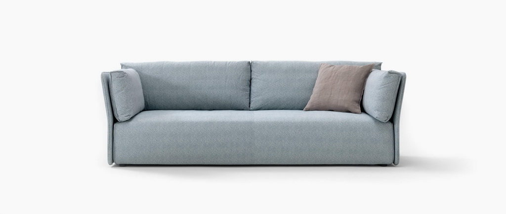 гармоничный диван голубой