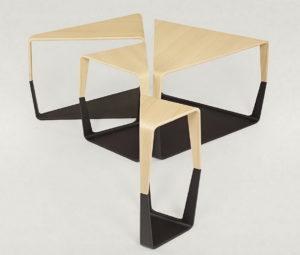 Столик треугольный