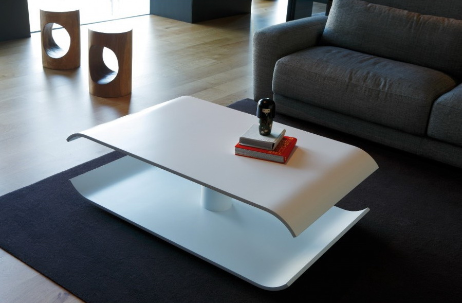 Парящий журнальный столик